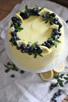 Food Cakes, Baking Recipes, Cake Recipes, Sunflower Cakes, Berry Cake, My Dessert, Sweet Cakes, Pretty Cakes, Cake Creations