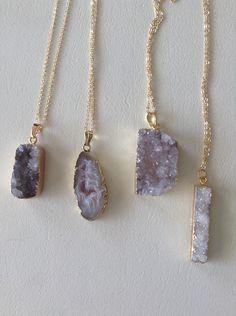 Le chouchou de ma boutique https://www.etsy.com/listing/270906221/druzy-necklaces-with-70-cm-gold-plated