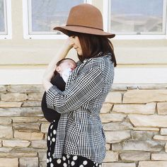 Things we love: sunshine, fresh air, and our @lalabubaby Soothe Shirt.