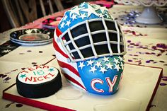 Hockey Goalie Mask hockey goalie mask carved out of a wondermold pan and cake cut in half and stacked. Thanks to puppylove for. Hockey Helmet, Hockey Goalie, Football Helmets, Cupcake Pictures, Cupcake Pics, Hockey Cakes, Ice Pad, 10th Birthday, Birthday Cakes