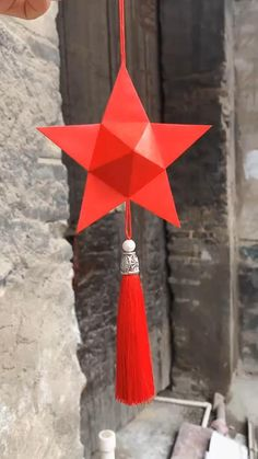 Cool Paper Crafts, Paper Crafts Origami, Diy Crafts Hacks, Diy Crafts For Gifts, Instruções Origami, Origami Wall Art, Oragami, Diy Diwali Decorations, Origami Decoration