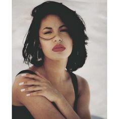 Hoy hace 22 años nos despedimos de la reina del #TexMex. Recordamos el ritmo inigualable de #Selena a través de sus mejores canciones  | Today 22 years ago we said goodbye to the Queen of #TexMex. We remember the incomparable rhythm of #Selena through her best songs.   Link en bio | Link in bio