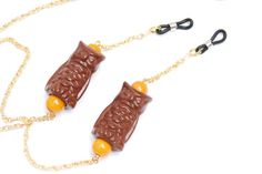 Golden glasses chain with brown vintage porcelain owls and orange glass beads summer accessory for eye glasses or sun glasses made in Vienna by Aerosvar Summer Accessories, Vintage Handbags, Eye Glasses, Bracelet Making, Vienna, Owls, Chains, Glass Beads, Porcelain