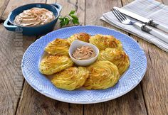 Duchess potatoes (CC Eng Sub) Duchess Potatoes, Romanian Food, Romanian Recipes, Food To Make, Shrimp, Side Dishes, Cabbage, The Creator, Cooking Recipes