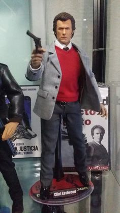 Action Figure of Clint eastwood - Dirty harry One Sixth scale custom, 12 inch, 30 cm, head sculpt SA customs, Harry Callahan Custom Action Figures, Nightmare On Elm Street, Clint Eastwood, Barbie And Ken, Gi Joe, Best Actor, Comic Books Art, Cool Toys, Cosplay
