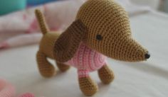 Patrón Gratuito Perrito/a Salchicha Amigurumi – Gi-Zu Crochet Crochet Birds, Crochet Food, Crochet Bear, Crochet Animals, Patron Crochet, Crochet Granny Square Afghan, Granny Squares, Crochet Amigurumi Free Patterns, Knitted Dolls
