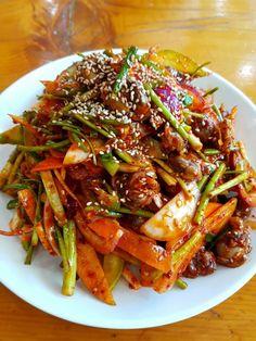 Asian Seafood Recipe, Seafood Recipes, Korean Street Food, Korean Food, K Food, Food Plating, Japchae, Baking, Ethnic Recipes
