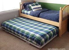 How to make a DIY trundle bed