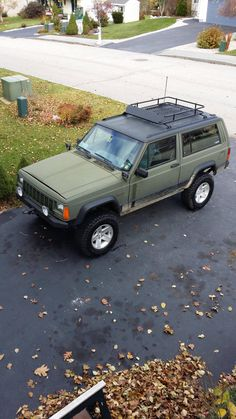 XJ color scheme for lining the exterior? Jeep Xj Mods, Jeep Cars, Jeep Truck, Jeep Suv, Cherokee Sport, Jeep Cherokee Xj, Bug Out Vehicle, Ford Raptor, 4x4 Trucks