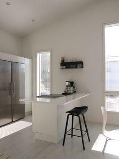 Hannas Home / kitchen / kitchen styling / Ikea Botkyrka shelf / Hay About a Stool