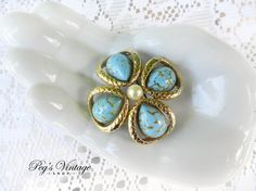 Vintage Gold tone Turquoise Flower Brooch/Pin by PegsVintageShop