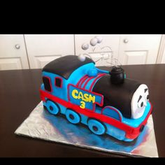 Thomas the train birthday cake!  omg i need to figure out how to make this!