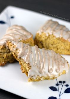 MUST.MAKE.THESE - anyone that knows me knows my obsession (especially while pregnant) for Starbuck's pumpkin scones...