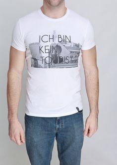 """Blacklabel """"Ich bin kein #Tourist"""" #TShirt von #ADDICTED2 #Berlin auf Etsy"""