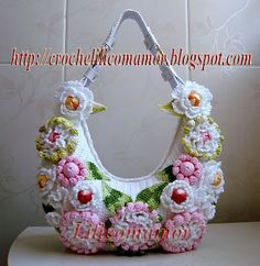Crocheted BAG WITH FLOWERS -