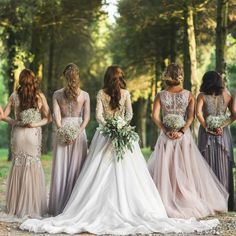 Mismatched Bridesmaid Dresses: 8 Ways to Flawlessly Achieve the Look #trend #trendy #weddingtrend #wedding #asiawedding