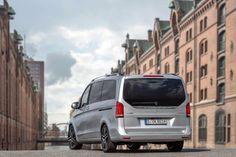 Mercedes-V-Class-V250-BlueTec-city-rear