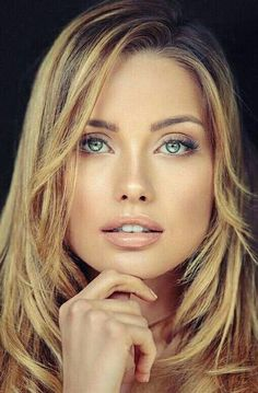 Who is this beauty Most Beautiful Faces, Stunning Eyes, Gorgeous Women, Girl Face, Woman Face, Beauté Blonde, Gorgeous Blonde, Pretty Eyes, Girl Pictures