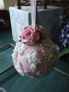 Another vintage chenille bauble, so pretty...