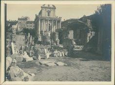 Italia, Roma, 1905  Vintage silver print.   Tirage argentique d'époque   9x12  …