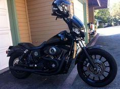 Harley Davidson News – Harley Davidson Bike Pics Dyna Club Style, Biker Photography, Dyna Super Glide, Harley Davidson Dyna, Best Classic Cars, Bobber Chopper, New Tricks, Motorcycle Gear, Cali