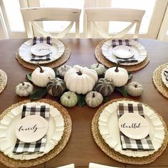 Welcome your friends and family to a Thanksgiving feast with beautiful table accents. These 14 ideas are simple Thanksgiving decorations … Thanksgiving Table Settings, Thanksgiving Tablescapes, Thanksgiving Crafts, Thanksgiving Decorations, Seasonal Decor, Pumpkin Decorations, Fall Table Settings, Pumpkin Centerpieces, Christmas Dinning Table Decor