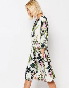 Gestuz+Kimono+Dress+in+Floral+Print