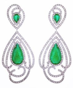 #thaliaexarchou #earrings #gold #diamond #emerald #design #jewelry #finejewelry #unique #fashion #womens #instalike #instajewelry #luxury #gems #gemstones #greece #skg #thessaloniki #green