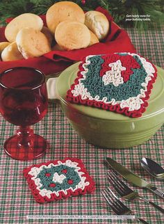 Ravelry: Wreath Hot Pad and Coaster pattern by Susan Lowman