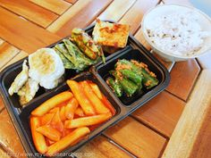 Tong-in Market Dosirak Cafe: The Ultimate Korean Lunch Box #seoul #market #lunch #budget