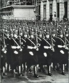 Blog Honoring The Third Reich ( Click Photo )