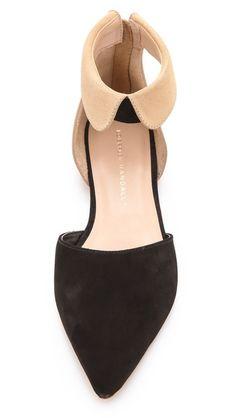 a peter pan collar on a shoe : )