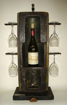 Lucah Designs: Fitted Wine Display