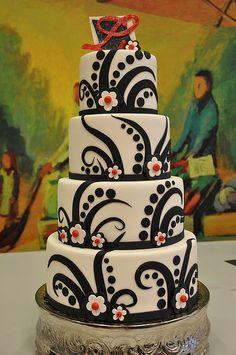 Fabulous black & white wedding cake by Designer Cakes By April, via Flickr