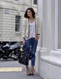 Cropped jeans, white tee, and a blazer - cute and casual!