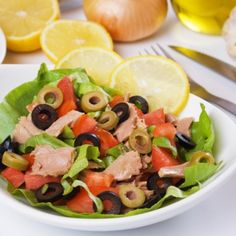 Easy Healthy Salad Recipe: Wolf Fish Salad with Purslane - Food Uncovered Veggie Recipes, Salad Recipes, Diet Recipes, Cooking Recipes, Healthy Recipes, Deli Food, Food 52, Appetizer Dishes, Fish Salad