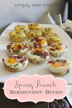 15 of our Favorite Brunch Recipes - 15 Favorite Brunch Recipes – These recipes would be perfect for Mother's Day, Valentine's Day or just a Spring Brunch Party! I can't wait to try them! Breakfast Finger Foods, Breakfast Desayunos, Make Ahead Breakfast, Breakfast Recipes, Mothers Day Brunch, Sunday Brunch, Easter Brunch, Easter Dinner, Bridesmaid Brunch