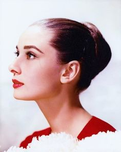 Audrey Hepburn - Stunning.