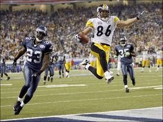 Pittsburgh Steelers' Hines Ward jumps in the air and scores a yard touchdown pass from wide receiver Antwaan Randle El during Super Bowl Pittsburgh Steelers, Steelers Football, Football Helmets, Football Humor, Steelers Pics, Super Bowl Xl, Steelers Super Bowls, Here We Go Steelers, American Athletes