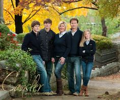 Fall is Beautiful Time for Family Portraits in Chattanooga Adult Family Photos, Winter Family Photos, Large Family Photos, Fall Family Portraits, Family Portrait Poses, Family Posing, Family Potrait, Fall Family Picture Outfits, Family Picture Poses