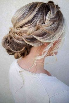 No matter what kind of hair you have we promise there are up due hairstyles for wedding aimed just for you! More wedding magic at wedwithbliss.com