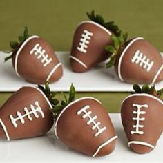 football chocolate covered strawberries! SO cute and perfect for gameday tailgating!