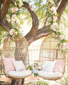 For when you just want to take a quick second and relax at your wedding ❤️ We also need these in our office! @_two.gether_