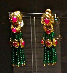 Amazing earrings of Elizabeth Taylor.