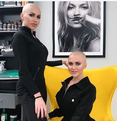 Crying women's head shave new trend collection 2019 Bald Head Women, Shaved Head Women, Girls With Shaved Heads, Super Short Hair, Short Hair Cuts, Short Hair Styles, Girls Short Haircuts, Short Hairstyles For Women, Pixie Cut