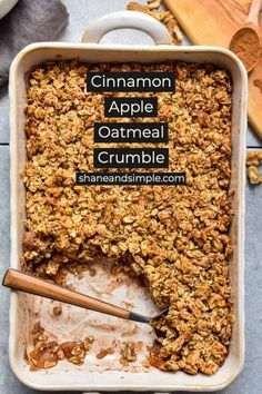 Apple Crumble Recipe Easy, Oatmeal Crumble Topping, Healthy Apple Crumble, Vegan Crumble, Baked Apple Oatmeal, Baked Cinnamon Apples, Baked Apple Dessert, Apple Recipes Easy, Baked Oatmeal Recipes
