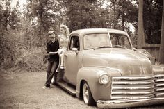 Rockabilly Engagement photos ~ Happiness is Life Photography