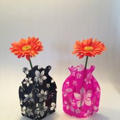 Foldable vase. Ideal for weddings, holiday, boat, garden, home, hospital, gifts. www.vouwvazen.nl