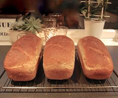 HEGEMOR.COM: Hjemmebakt brød - aldri feil! Food And Drink, Bread, Baking, Bread Making, Patisserie, Breads, Backen, Buns, Sweets