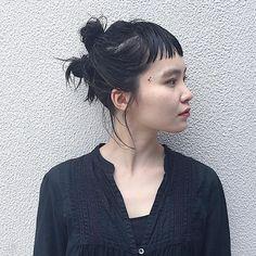 うらら🚩🚩🚩 伸びました。 長いけど後ろは刈り上げ🙌🏻 ・ ・ 明日、明後日は社員旅行の為、 お休み頂きます✨✨✨ ご予約はネットから お取りいただけます🙌🏻 #キャンプ #また台風 #去年は台風でキャンセル Kawaii Hairstyles, Up Hairstyles, Runway Hair, Hair Arrange, Hair Setting, Hair Reference, Hair Color And Cut, Salon Style, Anime Hair